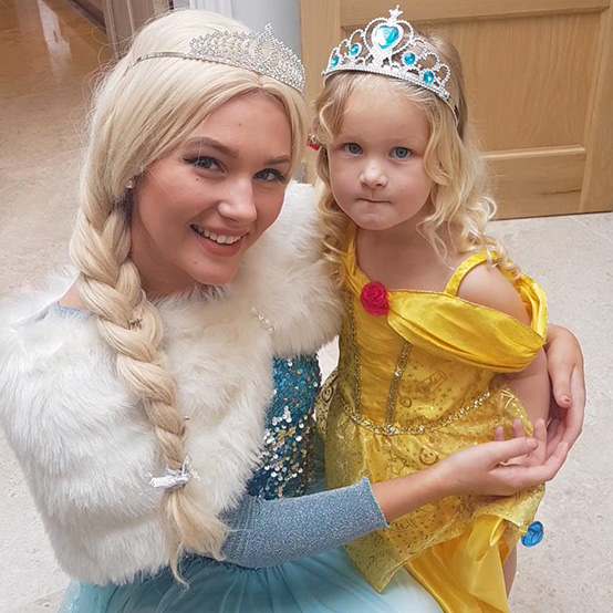 elsa-princess-character-visit